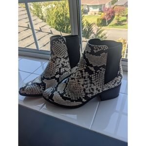 🌼 Call It Spring Snake Print Ankle Boots